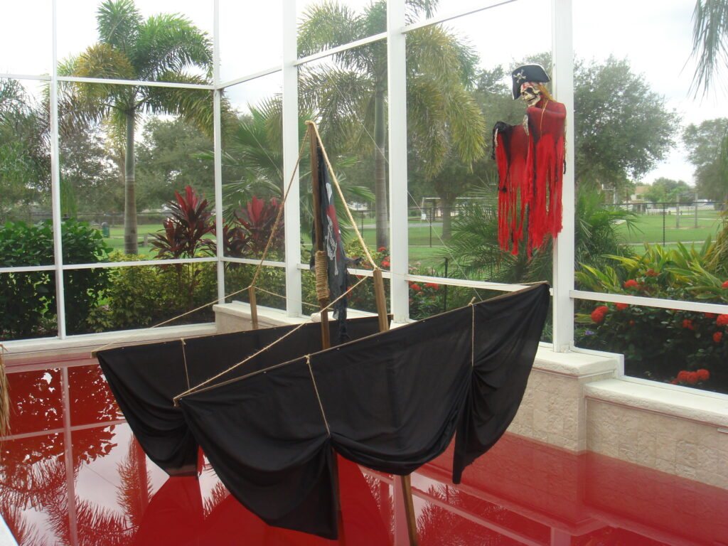 Party Pool, Rockin' Red with pirate sails